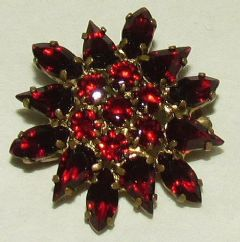 Photo for Czech Red Glass & Gilt Metal Star Brooch
